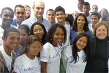 Mark Feierstein surrounded by students in Rio de Janeiro  Photo Credit: Instituto Empreender
