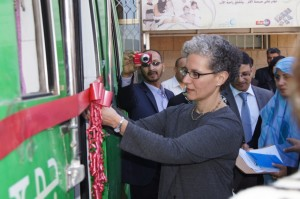 Assistant Administrator Rudman inaugurates an MMT van, marking the resumption of the MMT program. Photo Credit:  USAID