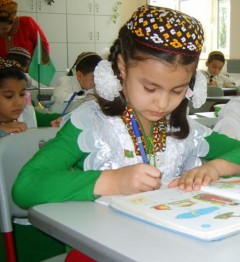 A young student in Turkmenistan learns new vocabulary. Photo Credit: USAID Quality Learning Project
