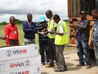 More than 12,000 water containers, 3,000 blankets and 1,000 kitchen sets were airlifted to Katanga Province in DRC from USAID's stockpiles in Dubai, The United Arab Emirates (UAE). Photo credit: UNICEF