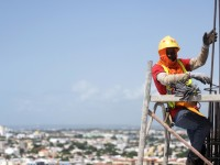 Haitian construction workers in the Dominican Republic include an estimated 900,000 to 1.2 million undocumented migrants. The USAID Global Labor Program is supporting research and advocacy for international standards to protect their rights. / Ricardo Rojas