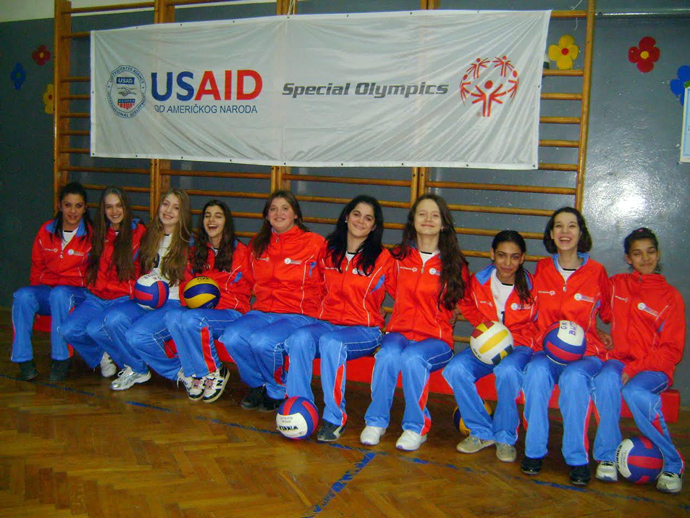 "The inclusive volleyball team from Krusevac, Serbia, formed as part of the USAID/Special Olympics ""Inclusion for All"" project. / Special Olympics"