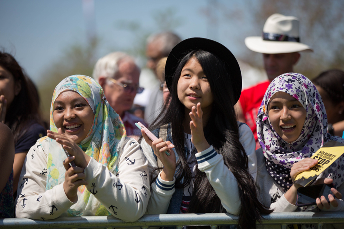 More than 250,000 guests joined in solidarity to end extreme poverty and climate change at Global Citizen 2015 Earth Day on the National Mall in Washington, D.C. / Ellie Van Houtte, USAID