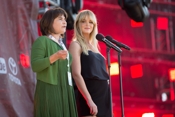 Improving access to clean water and sanitation were issues championed by Dutch Minister for Foreign Trade and Development Cooperation Lilianne Ploumen, left, during Global Citizen 2015 Earth Day on the National Mall in Washington, D.C. / Ellie Van Houtte, USAID