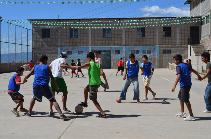 USAID and A Ganar run a sports and leadership program that partners with companies like Nike and Coca Cola to increase employment opportunities for at-risk youth. / Partners of the Americas