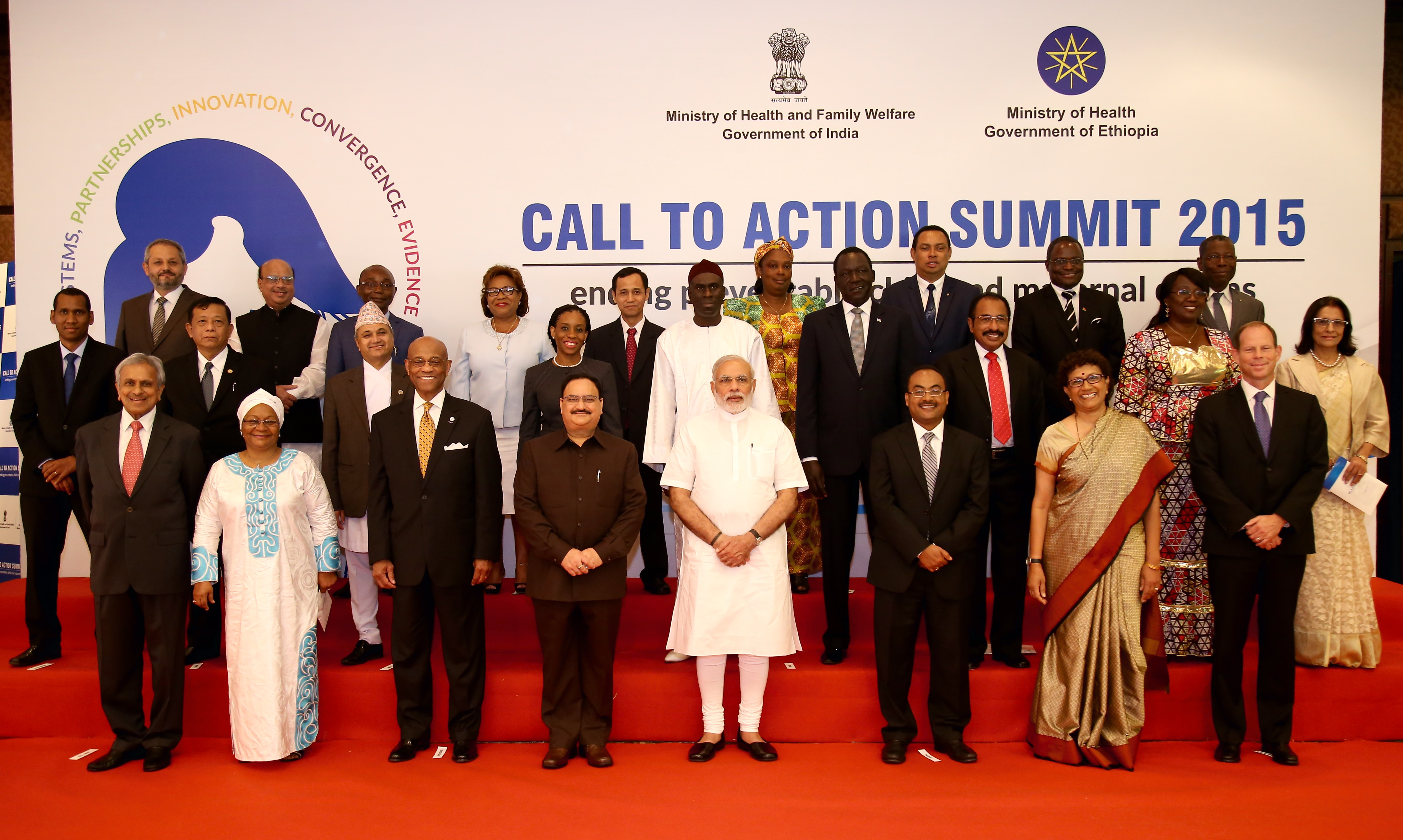 Acting USAID Administrator Alfonso Lenhardt joins Indian Prime Minister Shri Narendra Modi and heads of delegations from around the world at the Call to Action Summit on Aug. 27 in New Delhi, India. / Clay Doherty, USAID