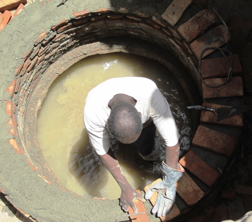 New wells like this one provide clean water to more than 29,000 people in Central Sudan.  / Triangle Generation Humanitaire