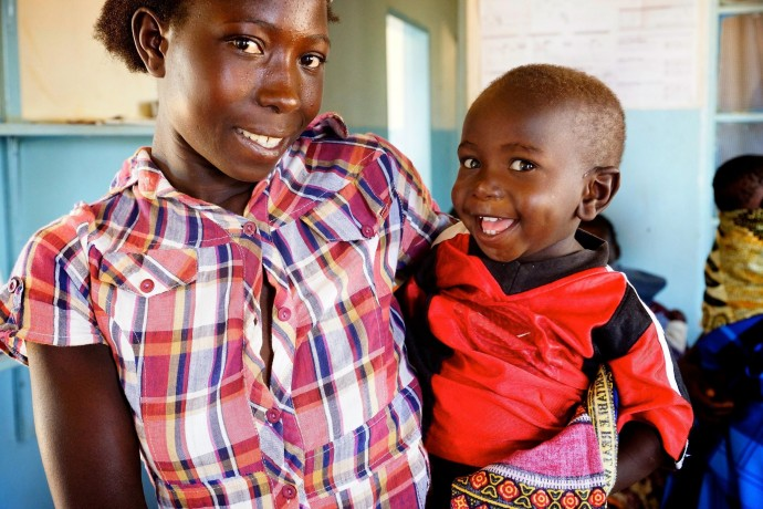 The Chikomeni Rural Health Centre in eastern Zambia offers Basic Emergency Obstetrics and Newborn Care services to its clients. / Anne Jennings, Rabin Martin.