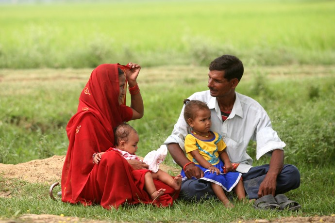 The USAID-funded Suaahara project in Nepal engages young mothers as well as fathers and other men in the family to ensure supportive environments for healthy behaviors, such as breastfeeding, to promote the wellbeing of women and children. / Suaahara Project