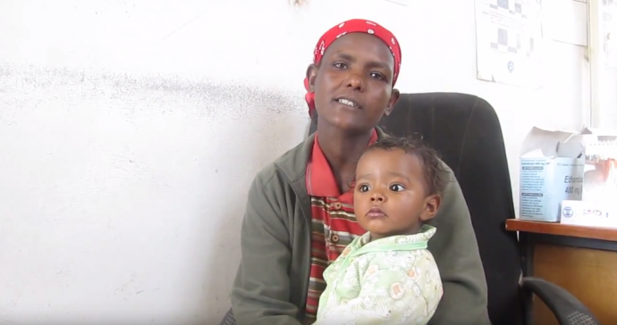 Atsede Tefera with her daughter, Nigist, who was diagnosed with tuberculosis at a hospital in Addis Ababa, Ethiopia. / MSH Ethiopia